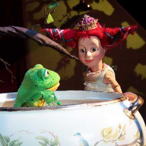 So. 11. März 2018| 11:00 & 16:00 Uhr Der Froschkönig – das Mädchen ist der Knaller! Figurentheater nach den Gebrüdern Grimm mit The Grimm Sisters aka Dorothee Metz & Susi Claus